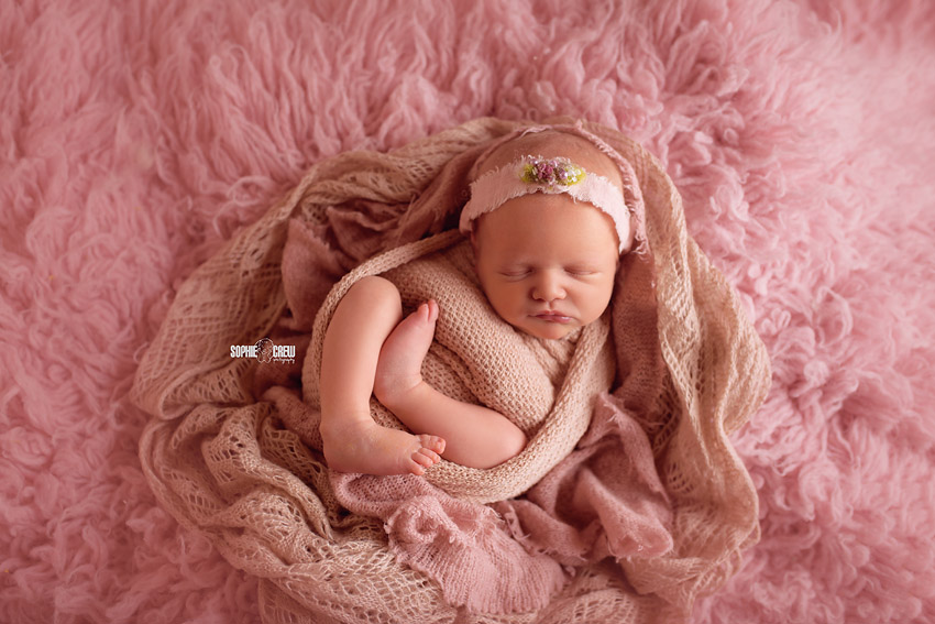 How to use pink tones in a newborn session