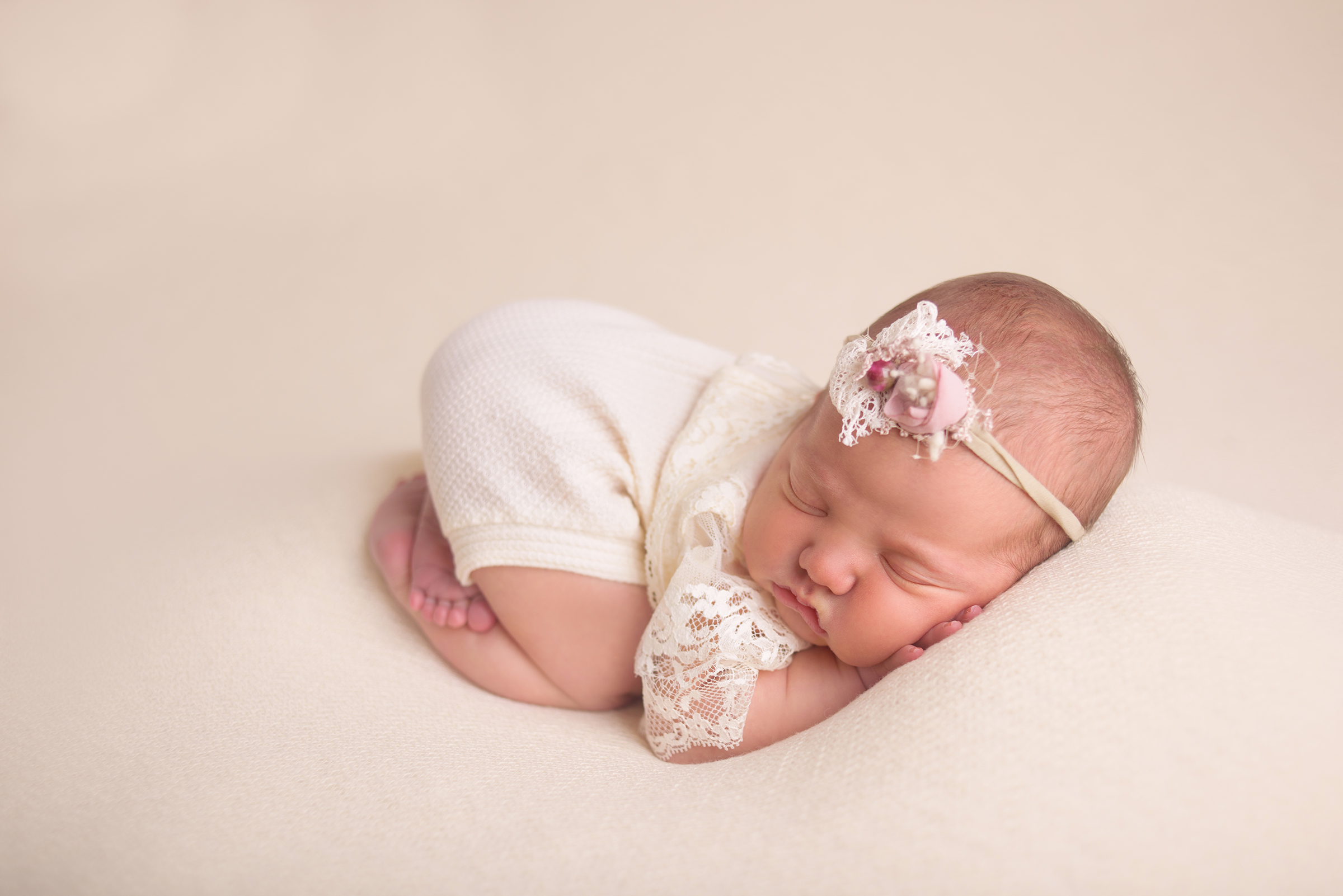 Newborn girl professional photos
