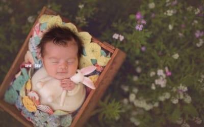 Outdoor newborn photography in San Diego, CA